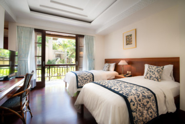 Here is the deluxe shared double room and its two medium beds