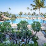 Hotel Patra's beachfront swimming pool